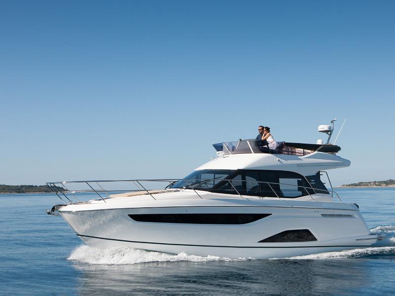 Yachtcharter 1051477490000100000_Bavaria_R40_main