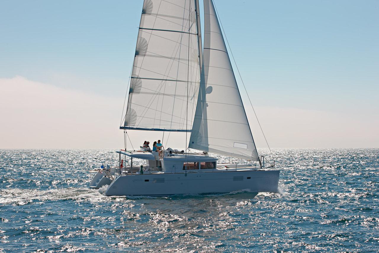 Yachtcharter Lagoon450F Summer Wind 1 (AC 4 cabin version, generator, icemaker)