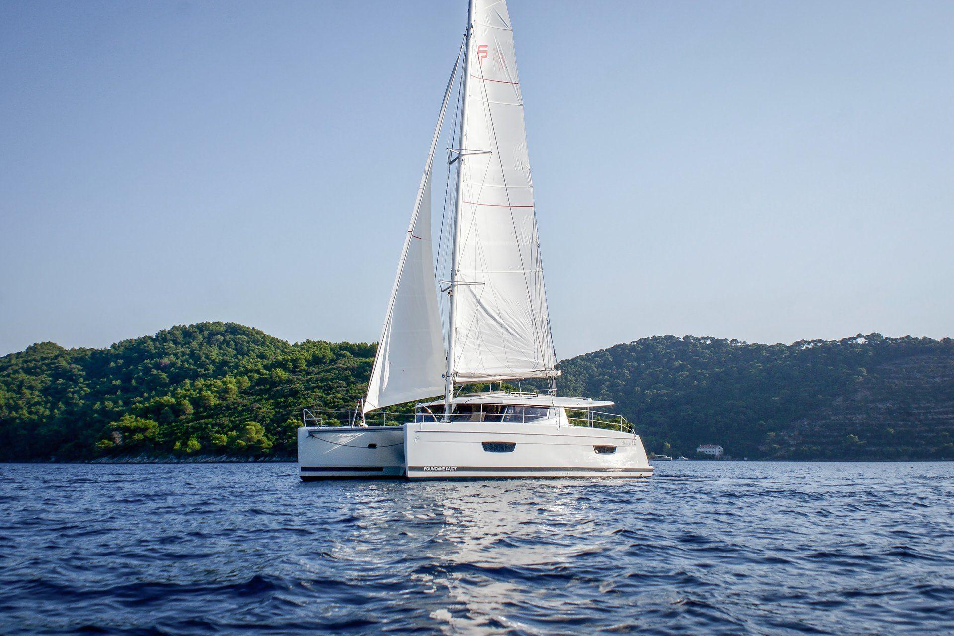 Yachtcharter Helia44 5cab top