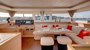 Yachtcharter Lagoon 450 F 4cab salon