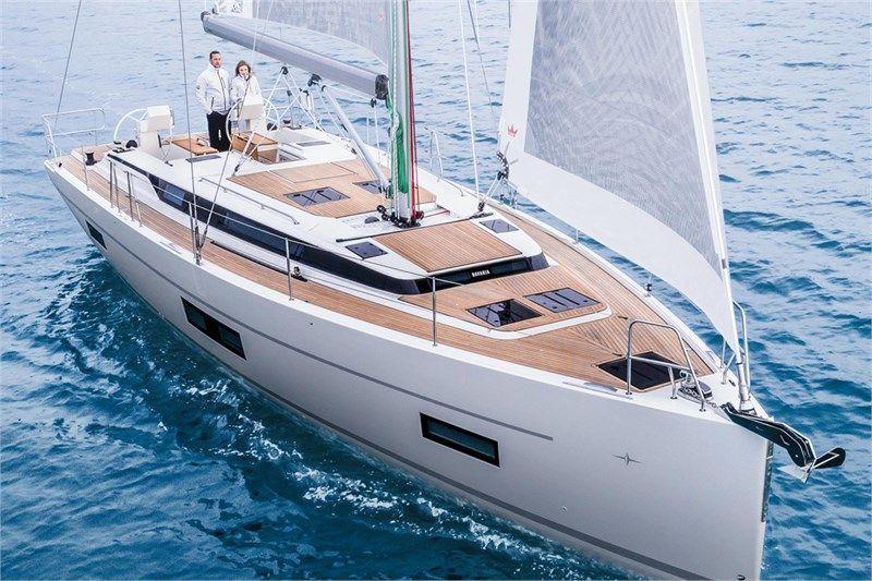 Yachtcharter Bavaria C45 4cab top