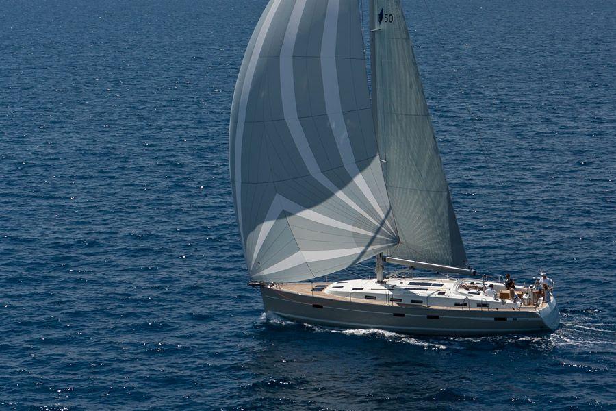 Yachtcharter Bavaria 50 Cruiser 5cab top
