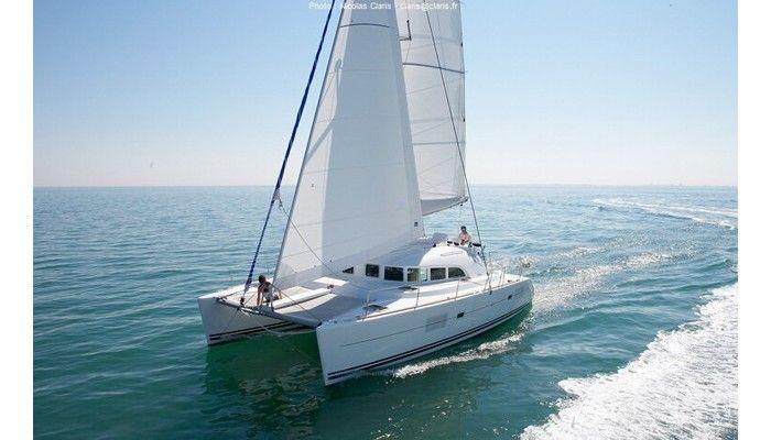 Yachtcharter Lagoon 380 S2 cab 4 Top