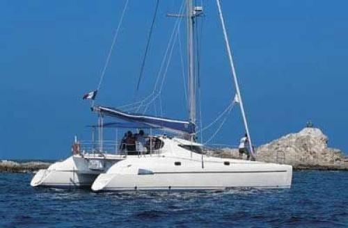 Yachtcharter Athena 38 Seitenansicht 4 Cab 2 WC