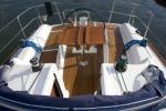 Yachtcharter Dufour 325 Cockpit