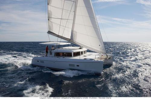 Yachtcharter Lagoon 420 Seitenansichtc 4cab