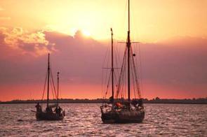 Alle Charteryachten m�ssen Fraitag abend im Heimathafen sein, Check-out ist dann am Samstag fr�h