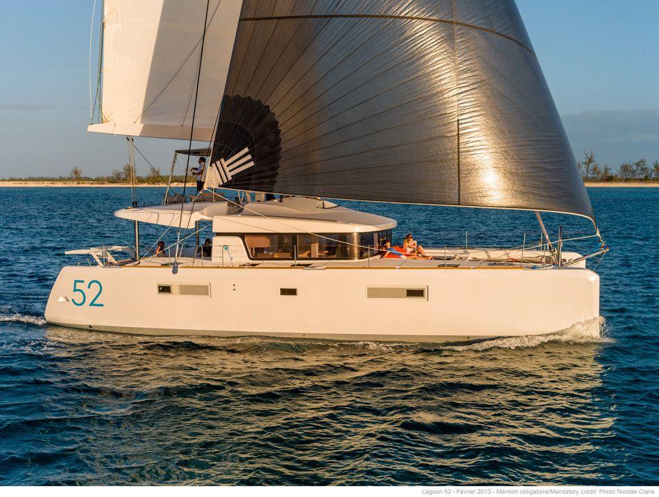 Yachtcharter Lagoon 52 (4+2Cab/4+2WC) Seitenansicht