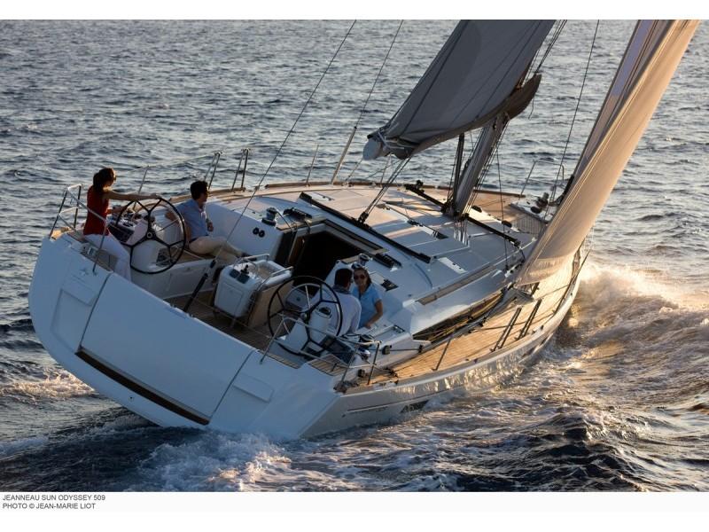 Yachtcharter 9436630220600179_509_exterior_popa_bis