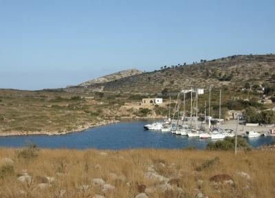 Charter Dodekanes: Die Insel Arki - karg wie die meisten Ägäis-Inseln
