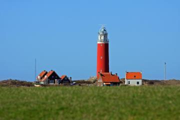 Charter Ijsselmeer: Die vorgelagerten Nordsee-Inseln sind nur einen kurzen Schlag entfernt - aber eine ganz andere Welt