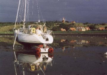 Yachtcharter IJsselmeer: Trockenfallen im Watt ist nur f?r Fortgeschrittene, aber dann ein phantastisches Erlebnis