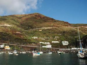 Yachtcharter Kanaren: El Hierro ist bis heute touristisch wenig erschlossen