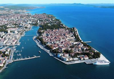 Charter Kornaten-Dalmatien: Zadar, K?stenmetropole und Charterhochburg mit sehenswerter Altstadt