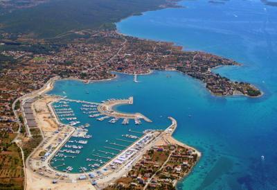 Charter Kornaten-Dalmatien: Die Marinas sind hervorragend ausgestattet, wie hier in Sukosan