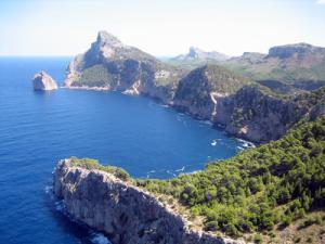 Charter Mallorca: Das Cap de Formentor im Norden beeinruckt mit imposanter Steilküste