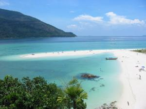 Charter Thailand: Auf Koh Lipe gibt es herrliche Strände - wie überall in der Andamanensee