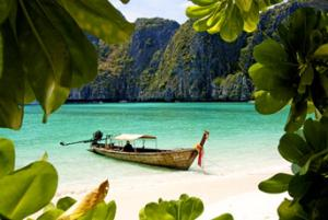Bootscharter Thailand: Koh Phi Phi ist zu Recht weltberühmt