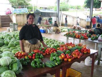 Yachtcharter Tonga: Markt in Neiafu, dem Hauptort Vavaus
